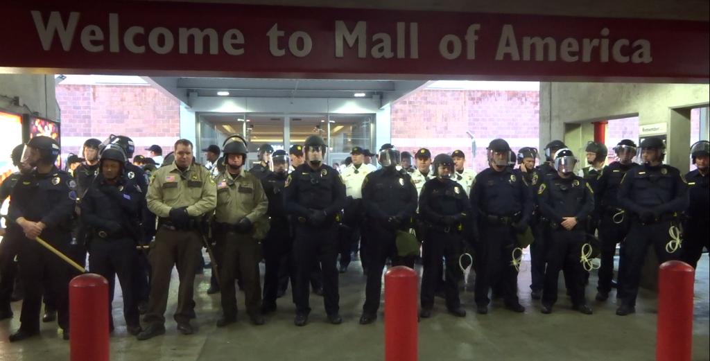 #BlackXmas2 Shuts Down Mall of America, Light Rail & Both MSP Airport Terminals